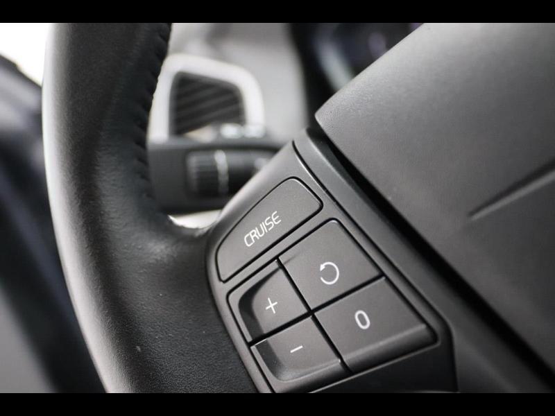 Photo 16 de l'offre de VOLVO XC60 150ch à 28690€ chez Autovia Véhicules Multimarques