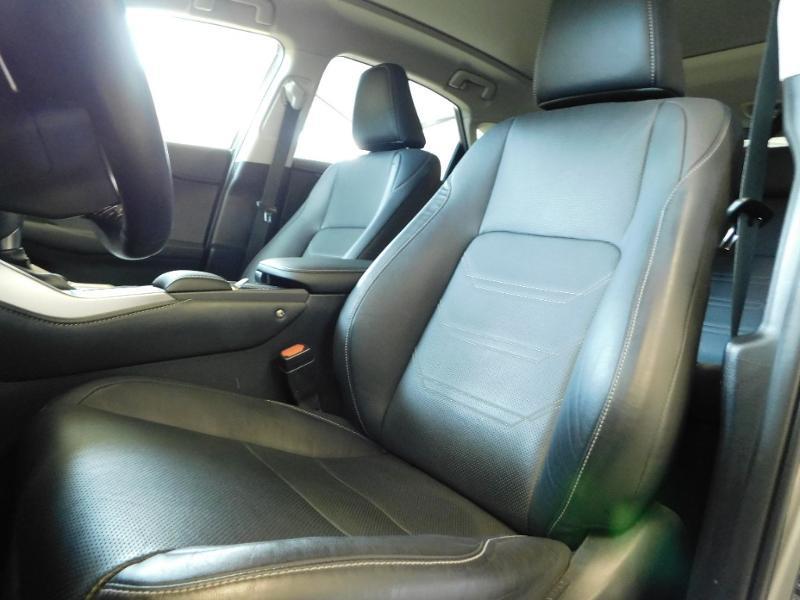 Photo 10 de l'offre de LEXUS NX 300h 4WD Luxe Euro6d-T à 35990€ chez Autovia Véhicules Multimarques
