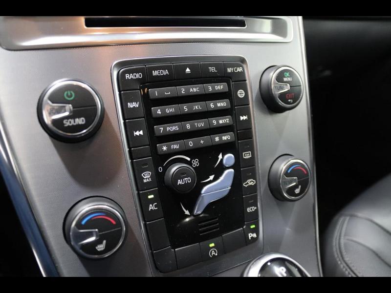 Photo 10 de l'offre de VOLVO XC60 150ch à 28690€ chez Autovia Véhicules Multimarques