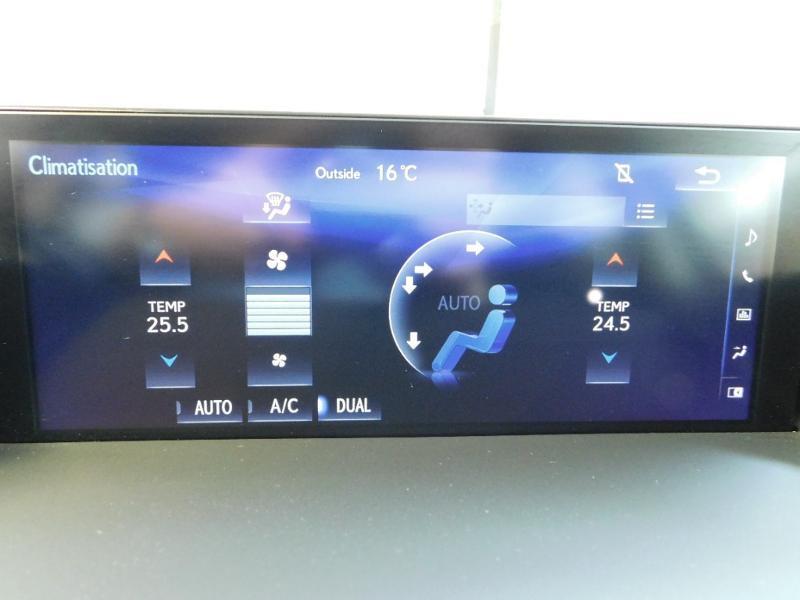 Photo 25 de l'offre de LEXUS CT 200h Luxe à 21990€ chez Autovia Véhicules Multimarques