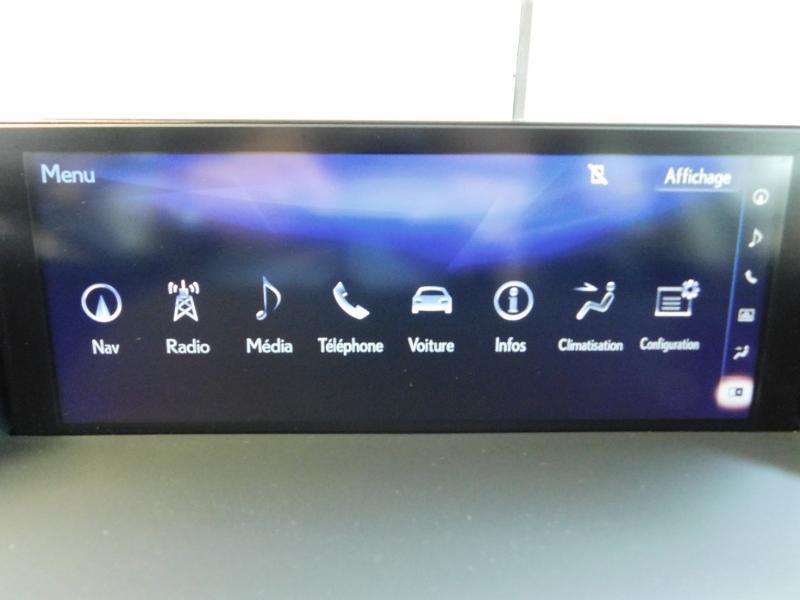 Photo 23 de l'offre de LEXUS CT 200h Luxe à 21990€ chez Autovia Véhicules Multimarques