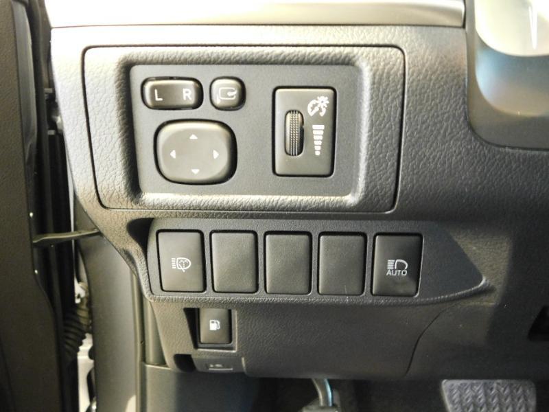 Photo 8 de l'offre de LEXUS CT 200h Luxe à 21990€ chez Autovia Véhicules Multimarques