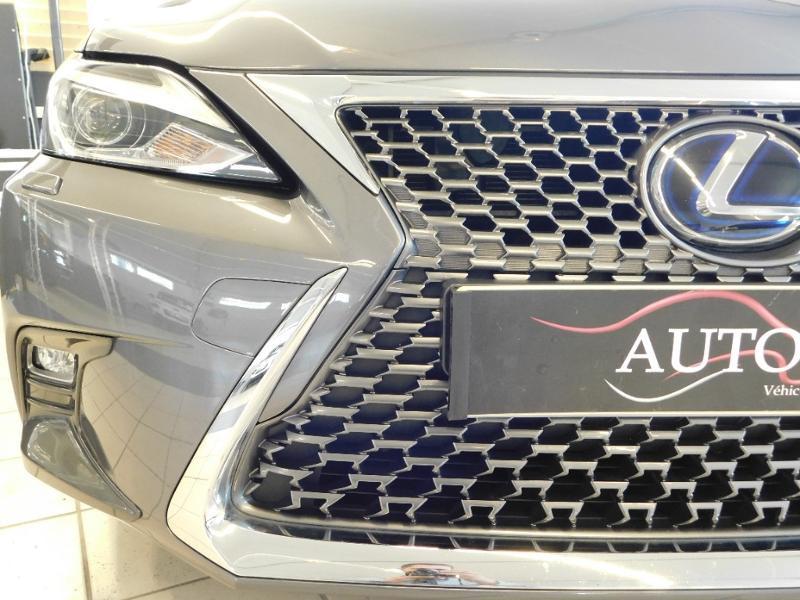 Photo 6 de l'offre de LEXUS CT 200h Luxe à 21990€ chez Autovia Véhicules Multimarques