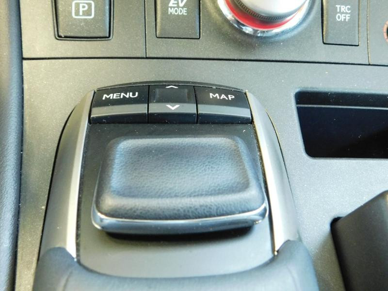 Photo 21 de l'offre de LEXUS CT 200h Luxe à 21990€ chez Autovia Véhicules Multimarques