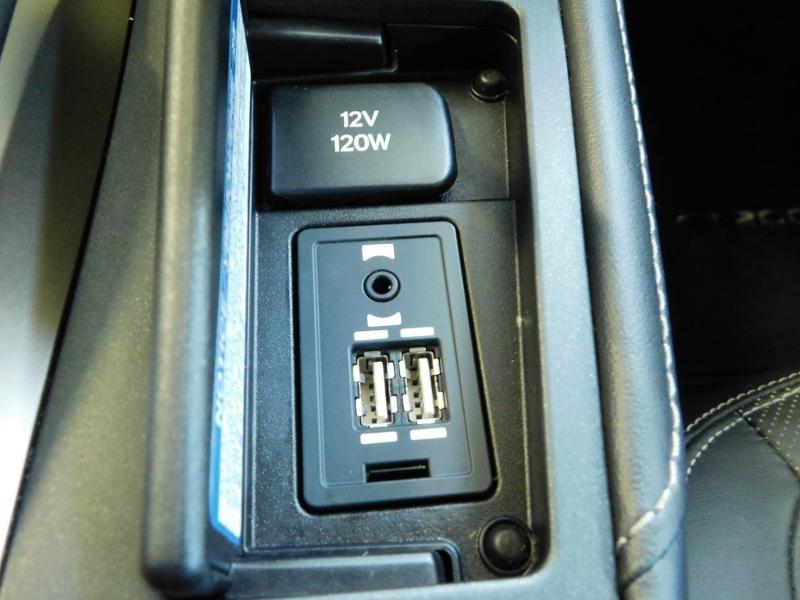 Photo 19 de l'offre de LEXUS CT 200h Luxe à 21990€ chez Autovia Véhicules Multimarques