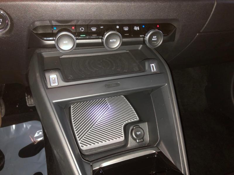Photo 14 de l'offre de CITROEN C4 Moteur électrique 136ch (100 kW) Feel Pack Automatique à 27990€ chez Autovia Véhicules Multimarques