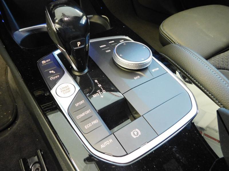 Photo 18 de l'offre de BMW Serie 1 118dA 150ch M Sport 5p Euro6c à 36990€ chez Autovia Véhicules Multimarques