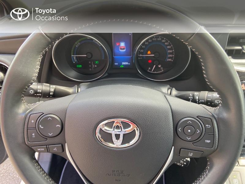 Photo 8 de l'offre de TOYOTA Auris HSD 136h Design à 16890€ chez Rizzon Auto - Toyota St Brieuc