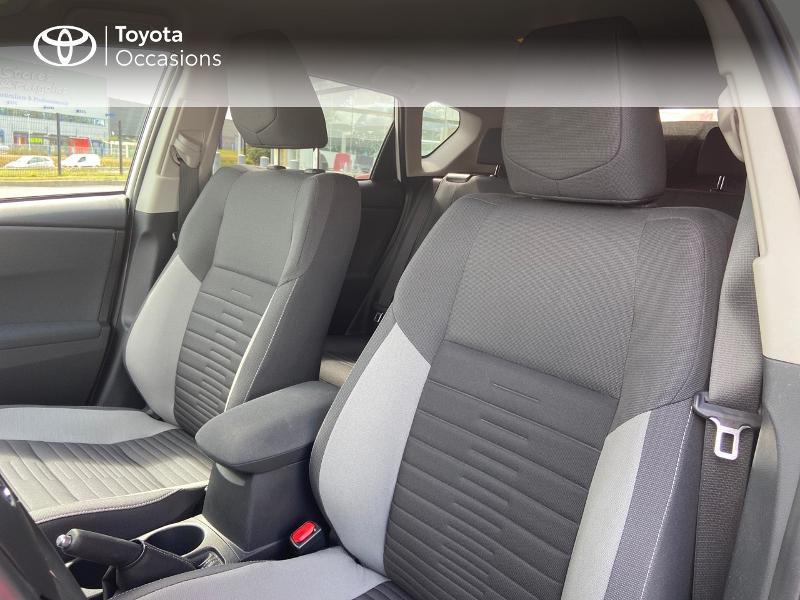 Photo 13 de l'offre de TOYOTA Auris HSD 136h Design à 16890€ chez Rizzon Auto - Toyota St Brieuc