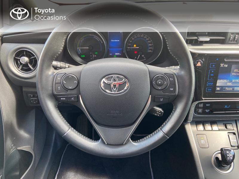 Photo 6 de l'offre de TOYOTA Auris HSD 136h Design à 16890€ chez Rizzon Auto - Toyota St Brieuc