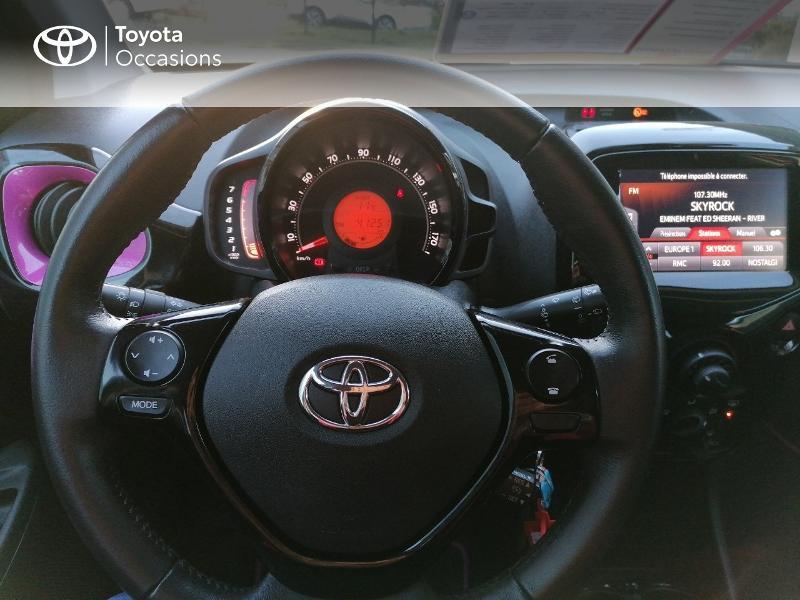 Photo 9 de l'offre de TOYOTA Aygo 1.0 VVT-i 72ch x-cite 5p à 9890€ chez Rizzon Auto - Toyota St Brieuc