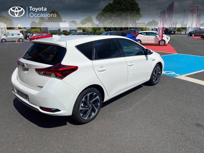 Photo 16 de l'offre de TOYOTA Auris HSD 136h Design à 16890€ chez Rizzon Auto - Toyota St Brieuc