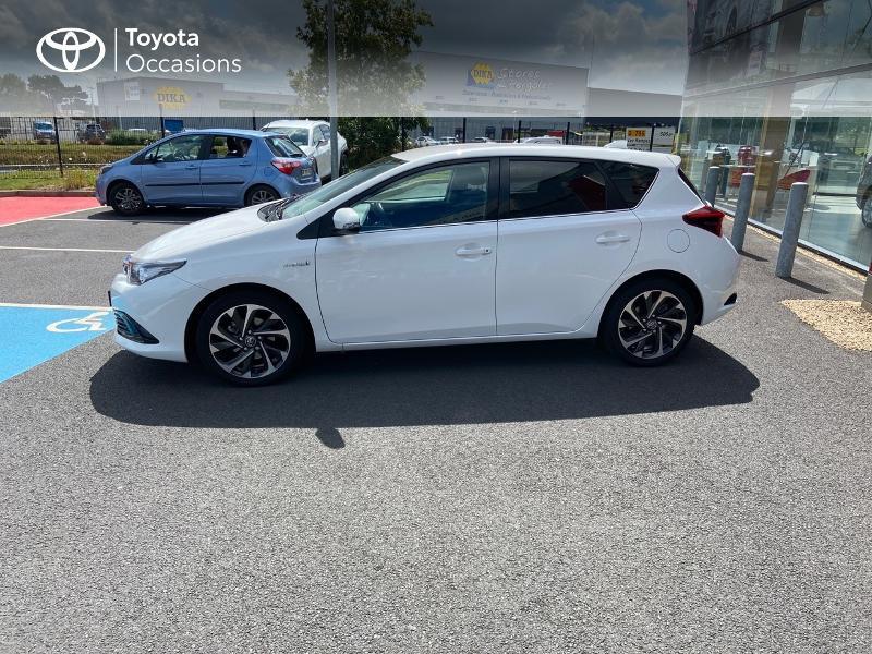 Photo 20 de l'offre de TOYOTA Auris HSD 136h Design à 16890€ chez Rizzon Auto - Toyota St Brieuc