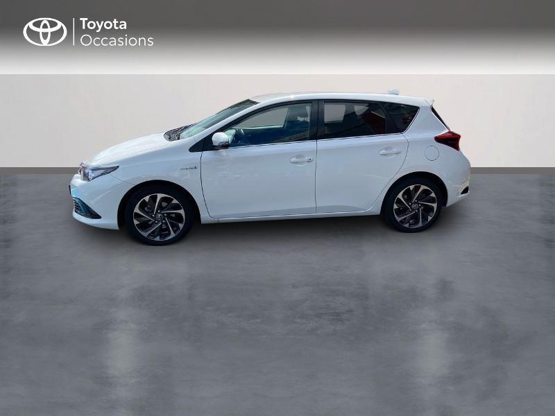 Photo 3 de l'offre de TOYOTA Auris HSD 136h Design à 16890€ chez Rizzon Auto - Toyota St Brieuc