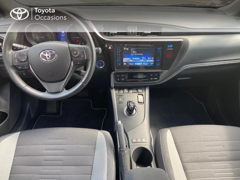 Photo 5 de l'offre de TOYOTA Auris HSD 136h Design à 16890€ chez Rizzon Auto - Toyota St Brieuc