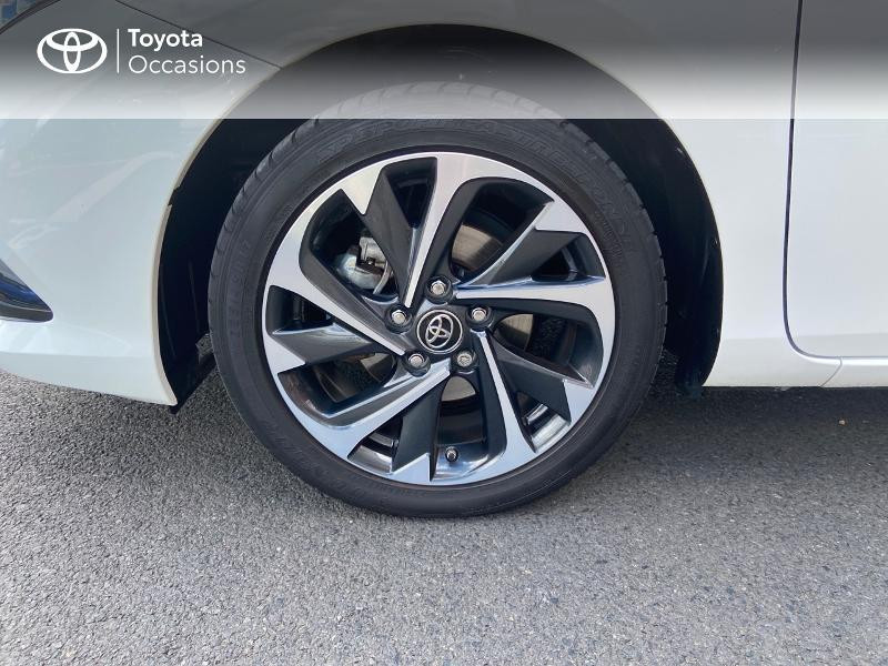 Photo 4 de l'offre de TOYOTA Auris HSD 136h Design à 16890€ chez Rizzon Auto - Toyota St Brieuc