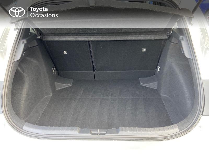 Photo 10 de l'offre de TOYOTA Corolla 122h Design MY20 à 23990€ chez Rizzon Auto - Toyota St Brieuc