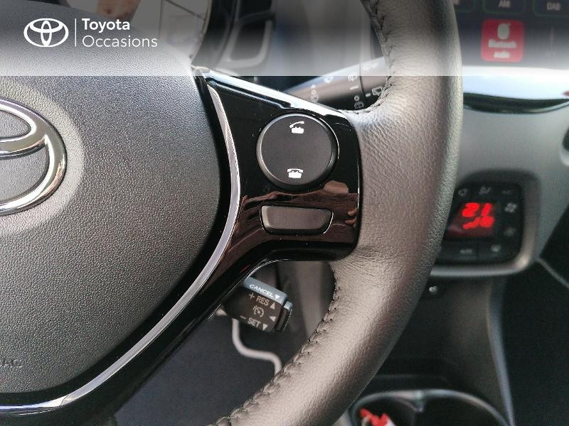 Photo 8 de l'offre de TOYOTA Aygo 1.0 VVT-i 72ch x-play 5p MY20 à 9890€ chez Rizzon Auto - Toyota St Brieuc