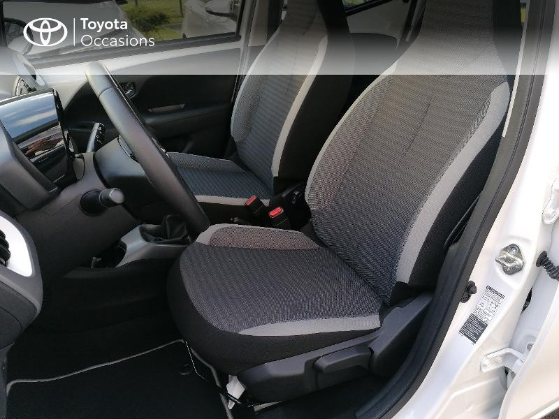 Photo 13 de l'offre de TOYOTA Aygo 1.0 VVT-i 72ch x-play 5p MY20 à 9890€ chez Rizzon Auto - Toyota St Brieuc