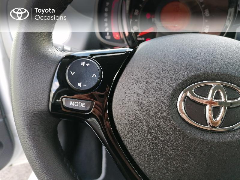Photo 10 de l'offre de TOYOTA Aygo 1.0 VVT-i 72ch x-play 5p MY20 à 9890€ chez Rizzon Auto - Toyota St Brieuc
