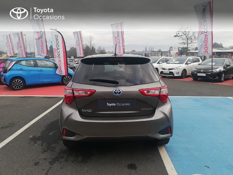 Photo 28 de l'offre de TOYOTA Yaris 100h Collection 5p à 13990€ chez Rizzon Auto - Toyota St Brieuc