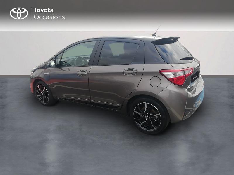 Photo 2 de l'offre de TOYOTA Yaris 100h Collection 5p à 13990€ chez Rizzon Auto - Toyota St Brieuc