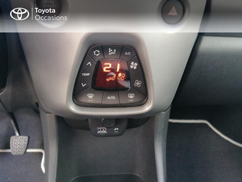 Photo 11 de l'offre de TOYOTA Aygo 1.0 VVT-i 72ch x-play 5p MY20 à 9890€ chez Rizzon Auto - Toyota St Brieuc