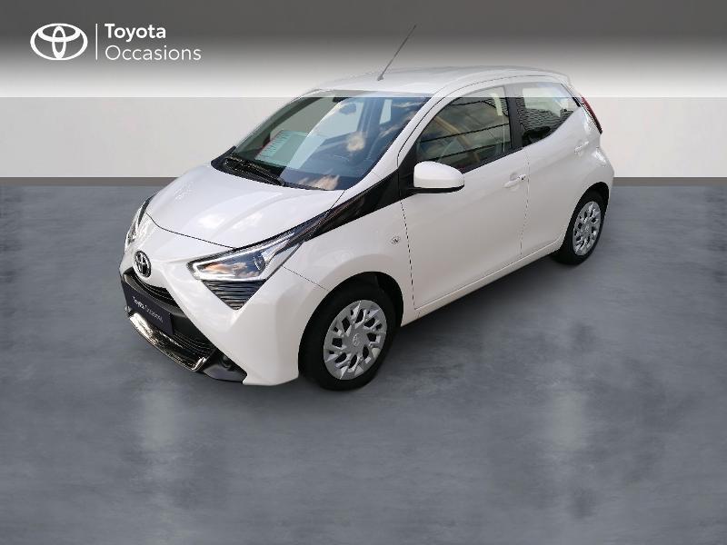 Photo 1 de l'offre de TOYOTA Aygo 1.0 VVT-i 72ch x-play 5p MY20 à 9890€ chez Rizzon Auto - Toyota St Brieuc