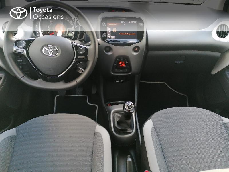 Photo 5 de l'offre de TOYOTA Aygo 1.0 VVT-i 72ch x-play 5p MY20 à 9890€ chez Rizzon Auto - Toyota St Brieuc