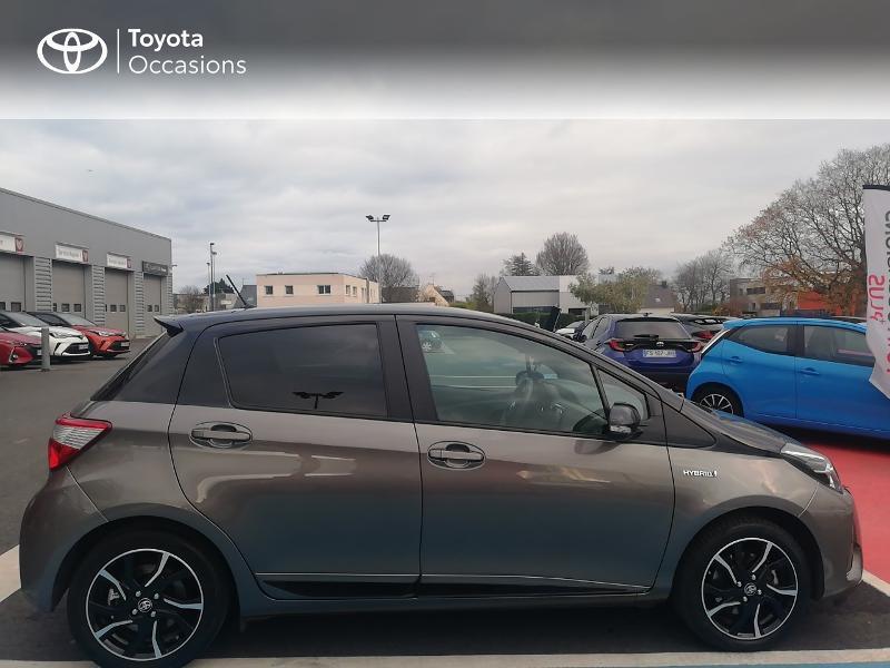 Photo 17 de l'offre de TOYOTA Yaris 100h Collection 5p à 13990€ chez Rizzon Auto - Toyota St Brieuc