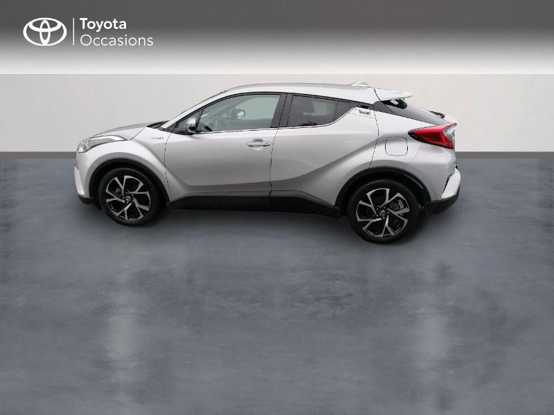Photo 3 de l'offre de TOYOTA C-HR 122h Edition 2WD E-CVT RC18 à 21890€ chez Rizzon Auto - Toyota St Brieuc