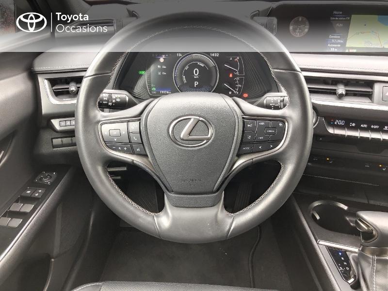 Photo 6 de l'offre de LEXUS UX 250h 4WD Luxe à 32190€ chez Rizzon Auto - Toyota St Brieuc