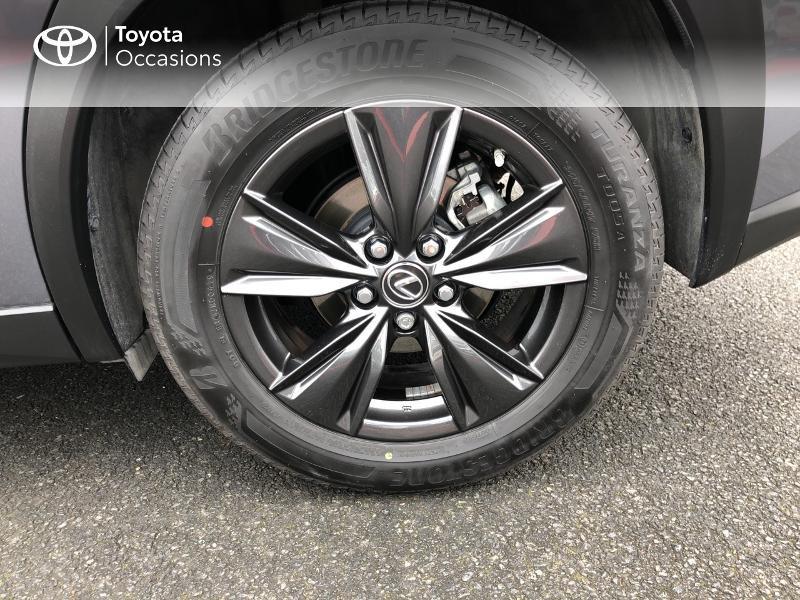 Photo 4 de l'offre de LEXUS UX 250h 4WD Luxe à 32190€ chez Rizzon Auto - Toyota St Brieuc