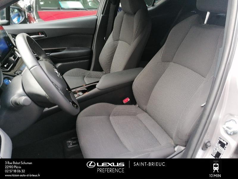 Photo 13 de l'offre de TOYOTA C-HR 122h Edition 2WD E-CVT RC18 à 21980€ chez Rizzon Auto - Toyota St Brieuc