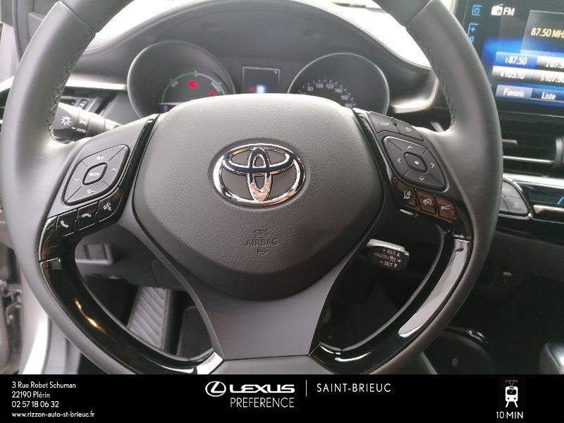Photo 6 de l'offre de TOYOTA C-HR 122h Edition 2WD E-CVT RC18 à 21980€ chez Rizzon Auto - Toyota St Brieuc