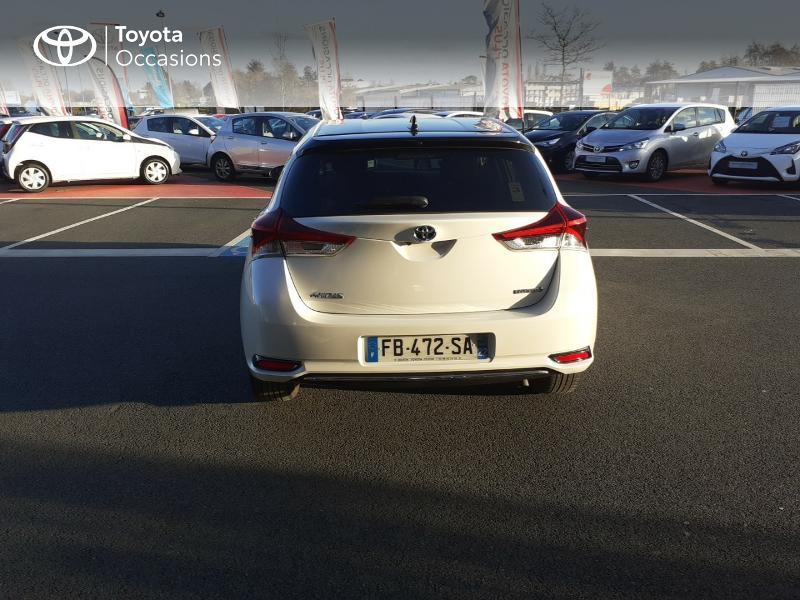 Photo 16 de l'offre de TOYOTA Auris HSD 136h Collection RC18 à 17890€ chez Rizzon Auto - Toyota St Brieuc