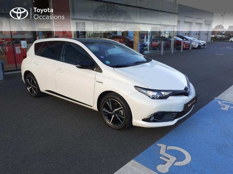 Photo 19 de l'offre de TOYOTA Auris HSD 136h Collection RC18 à 17890€ chez Rizzon Auto - Toyota St Brieuc