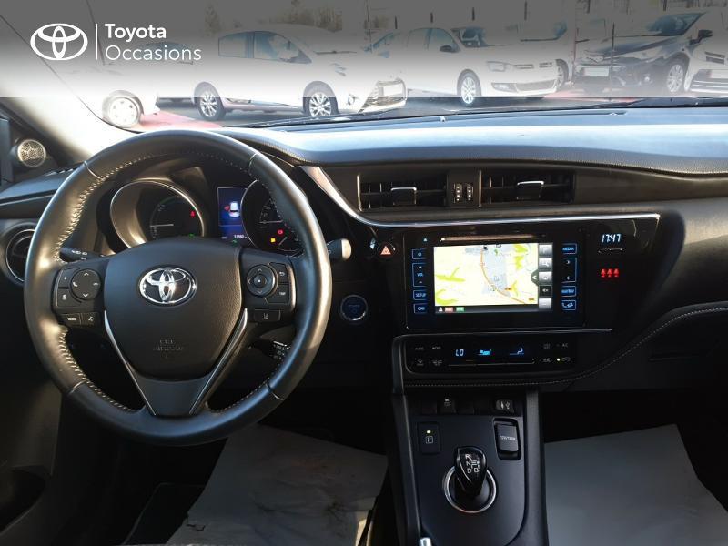 Photo 8 de l'offre de TOYOTA Auris HSD 136h Collection RC18 à 17890€ chez Rizzon Auto - Toyota St Brieuc