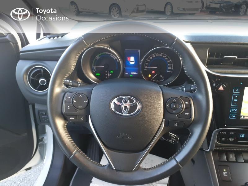 Photo 13 de l'offre de TOYOTA Auris HSD 136h Collection RC18 à 17890€ chez Rizzon Auto - Toyota St Brieuc
