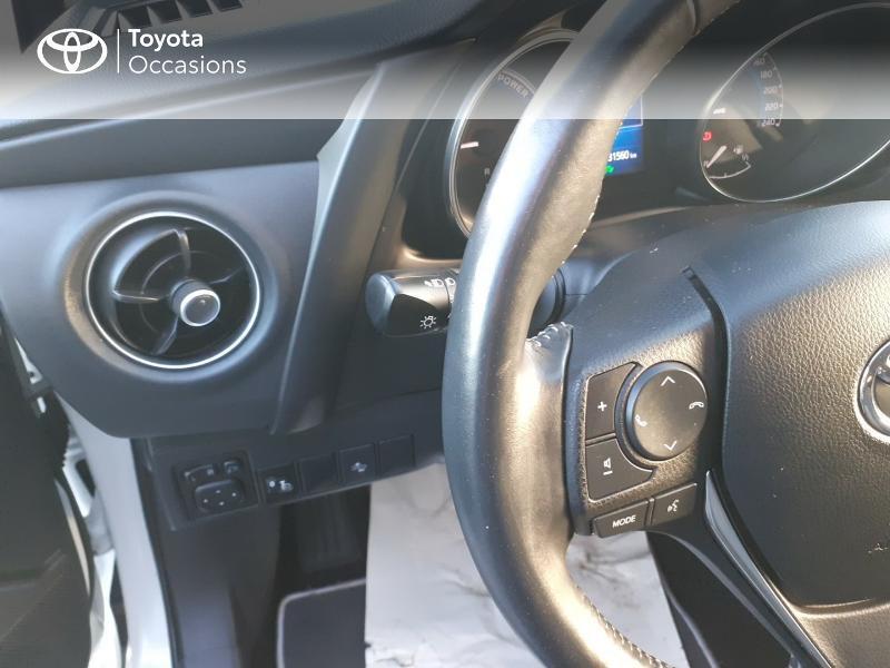 Photo 20 de l'offre de TOYOTA Auris HSD 136h Collection RC18 à 17890€ chez Rizzon Auto - Toyota St Brieuc