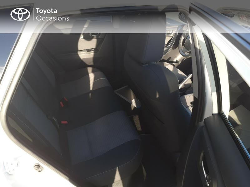 Photo 7 de l'offre de TOYOTA Auris HSD 136h Collection RC18 à 17890€ chez Rizzon Auto - Toyota St Brieuc