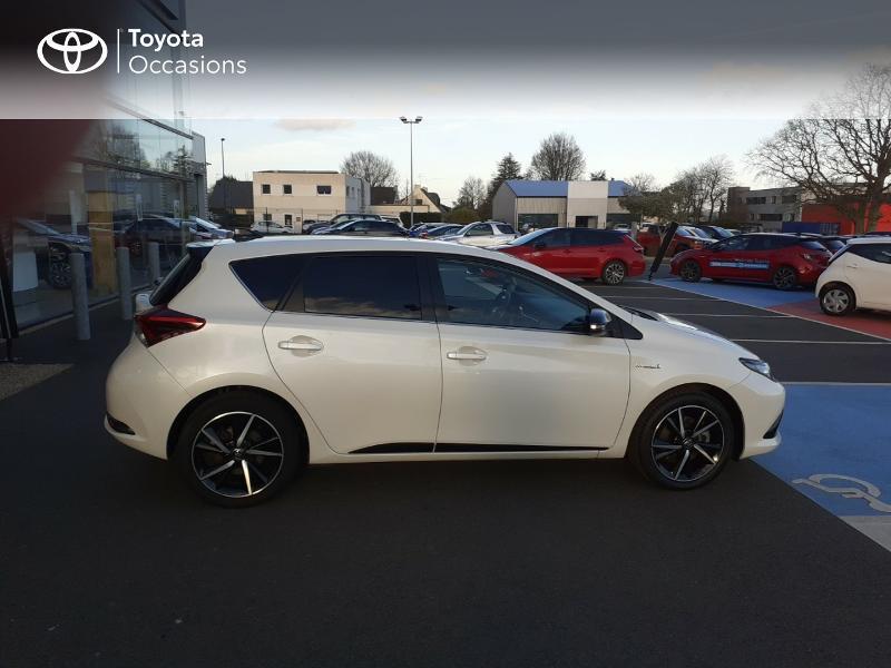 Photo 17 de l'offre de TOYOTA Auris HSD 136h Collection RC18 à 17890€ chez Rizzon Auto - Toyota St Brieuc