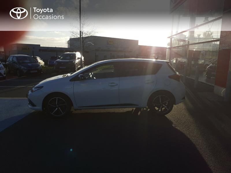 Photo 27 de l'offre de TOYOTA Auris HSD 136h Collection RC18 à 17890€ chez Rizzon Auto - Toyota St Brieuc