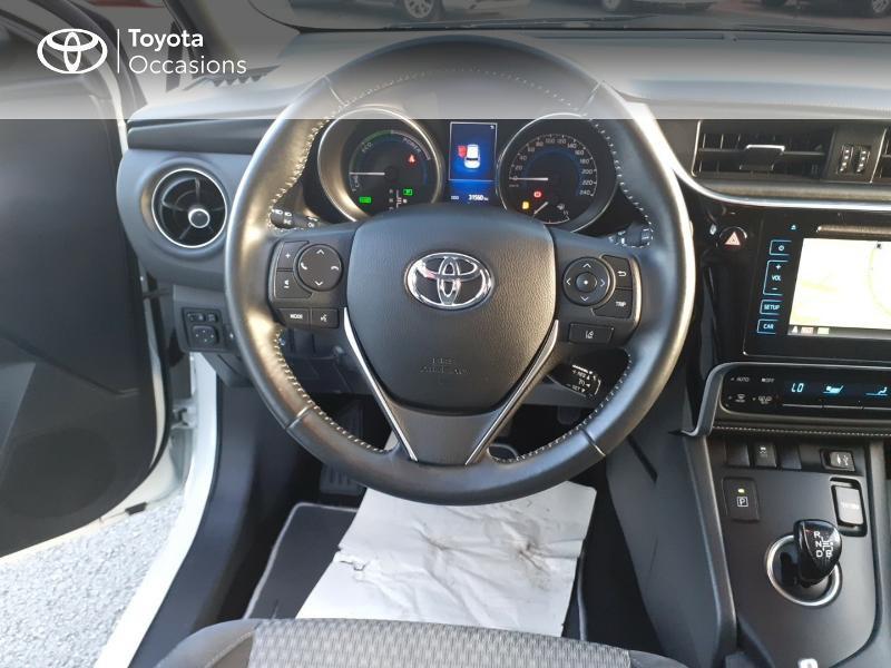 Photo 9 de l'offre de TOYOTA Auris HSD 136h Collection RC18 à 17890€ chez Rizzon Auto - Toyota St Brieuc