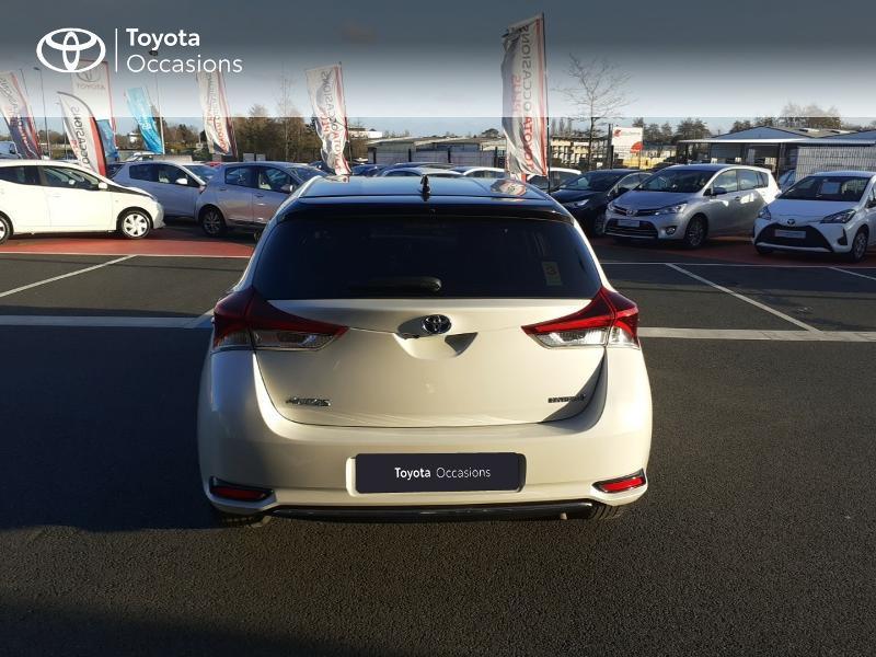 Photo 28 de l'offre de TOYOTA Auris HSD 136h Collection RC18 à 17890€ chez Rizzon Auto - Toyota St Brieuc