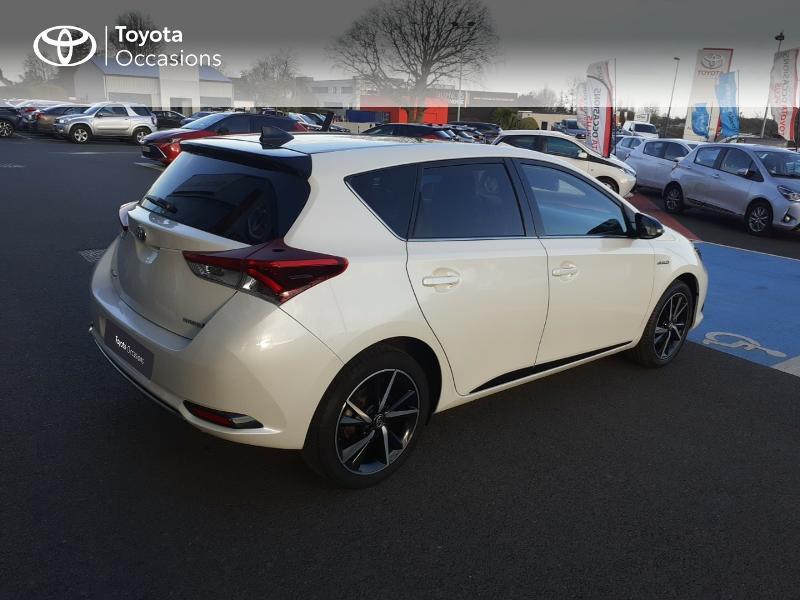 Photo 18 de l'offre de TOYOTA Auris HSD 136h Collection RC18 à 17890€ chez Rizzon Auto - Toyota St Brieuc