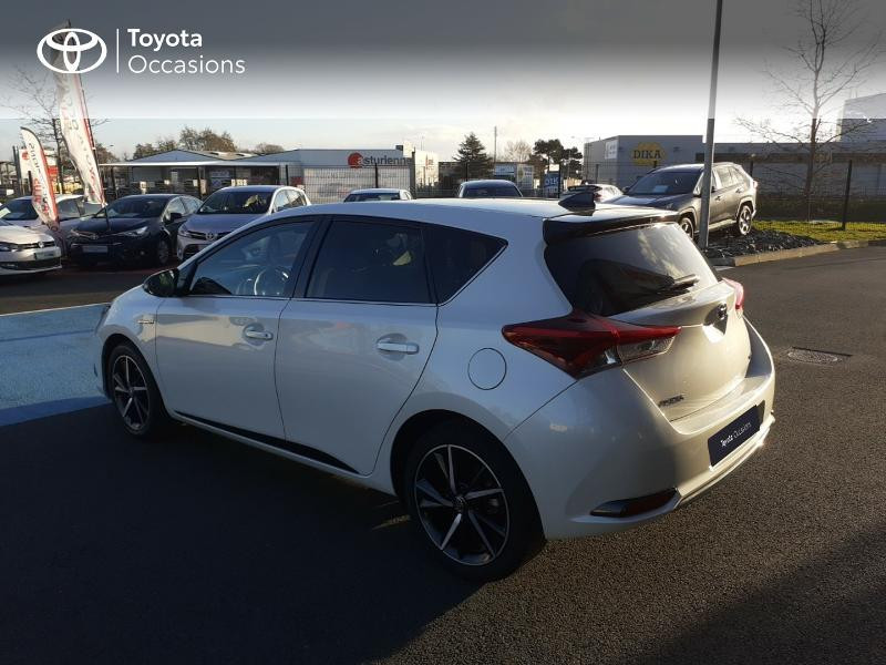 Photo 26 de l'offre de TOYOTA Auris HSD 136h Collection RC18 à 17890€ chez Rizzon Auto - Toyota St Brieuc
