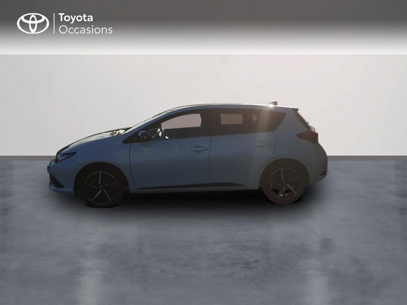 Photo 3 de l'offre de TOYOTA Auris HSD 136h Collection RC18 à 17890€ chez Rizzon Auto - Toyota St Brieuc