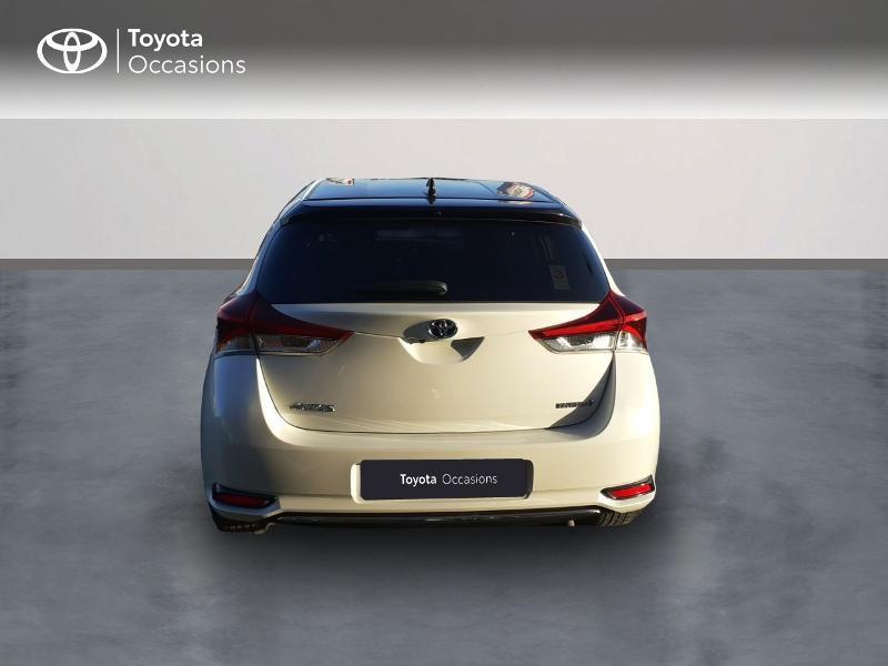 Photo 4 de l'offre de TOYOTA Auris HSD 136h Collection RC18 à 17890€ chez Rizzon Auto - Toyota St Brieuc