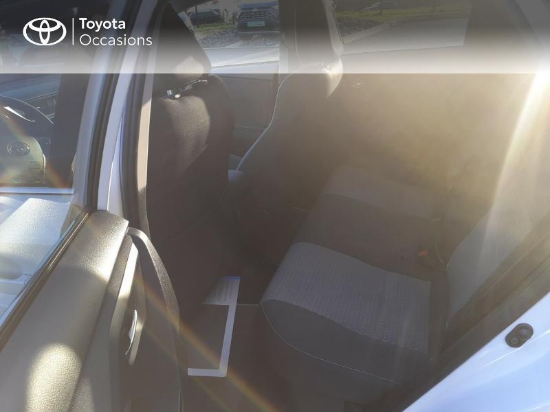Photo 12 de l'offre de TOYOTA Auris HSD 136h Collection RC18 à 17890€ chez Rizzon Auto - Toyota St Brieuc